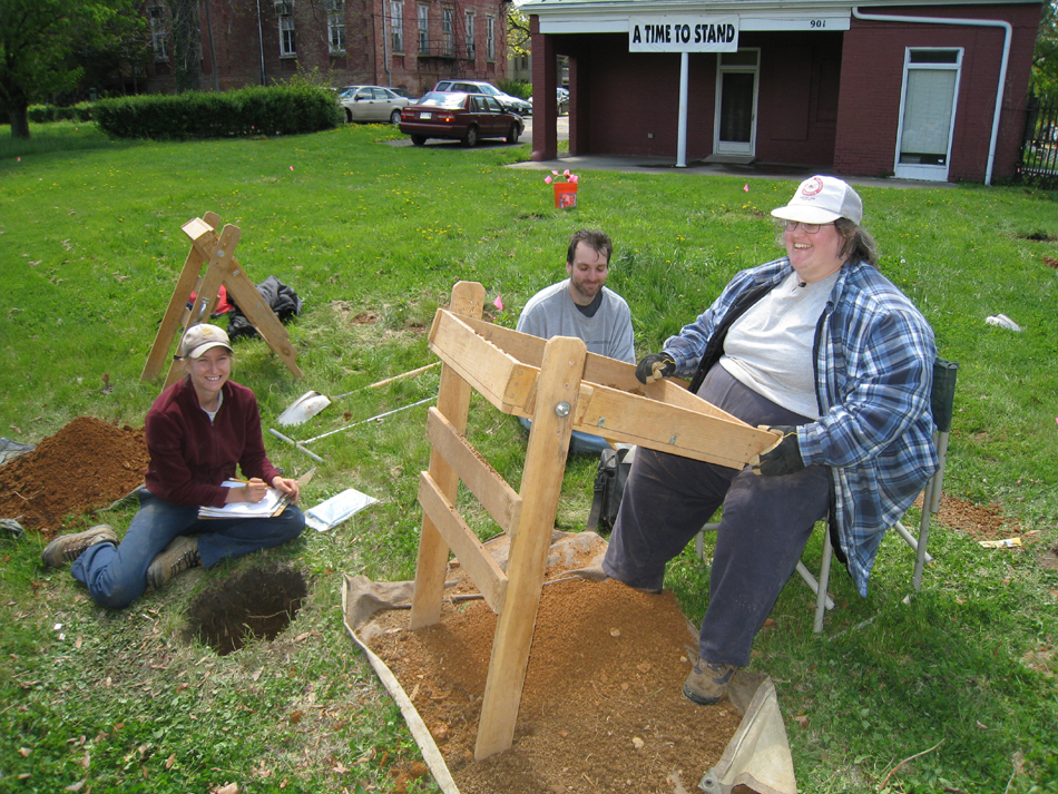 Archeological Dig - EAC/C Archeologists (Elizabeth Anderson Comer). Corner of Ninth and Pennsylvania Avenue SE