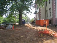 Grounds--North side along Pennsylvania Ave. - May 23, 2011